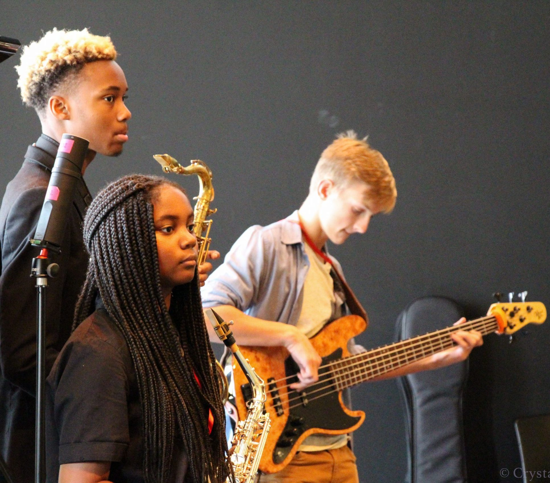 Young players participate in the student jam at the 2019 Jazz Summit